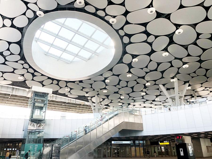 2018 高雄火車站嶄新登場 x 高雄鐵路地下化 高捷R11高雄車站永久站正式