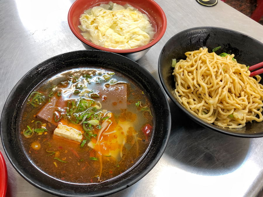 麻麻辣辣夠味的麻辣湘,獨家特色麻辣很開胃、眷村風味牛肉麵