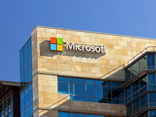 Microsoft warns of a serious security vulnerability in Windows 10.