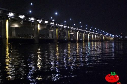 韓國、首爾|首爾夜景的季節限定,盤浦大橋盤浦大橋彩虹月光噴水秀