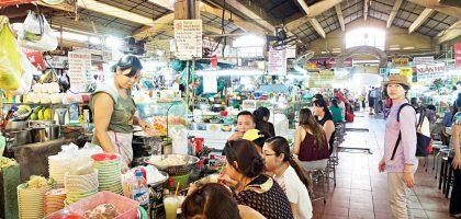 越南、胡志明市|濱城市場Ben Thanh Market 白天市集、晚上夜市在此體驗當地生活的縮影