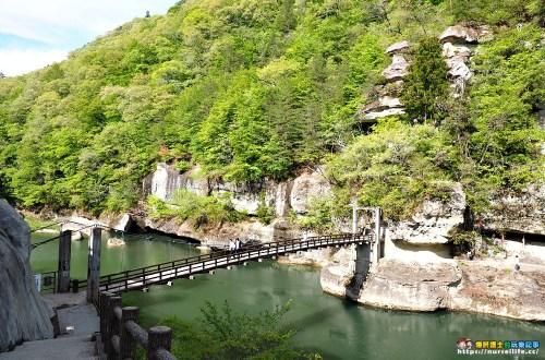 塔のへつり|南會津觀光.在懸崖吊橋上感受萬年塔岩壯闊之美