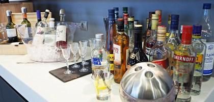 希臘|雅典機場貴賓室.歐洲果然是酒鬼的天堂