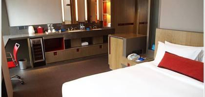 【香港住宿】設計時髦的精品旅館 V2 Hotel @灣仔站A4出口3分鐘
