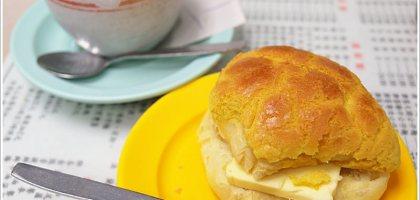 【香港 灣仔】鬆軟不甜膩 好吃的菠蘿油 香港四大茶餐廳之金鳳茶餐廳@灣仔站5分鐘