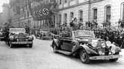 Nach Abschluss des Münchner Abkommens vom 29. September 1938 kehrt Hitler nach Berlin zurück und reist danach in das nun an das Deutsche Reich abgetretene Sudetenland.(Bild: AP)