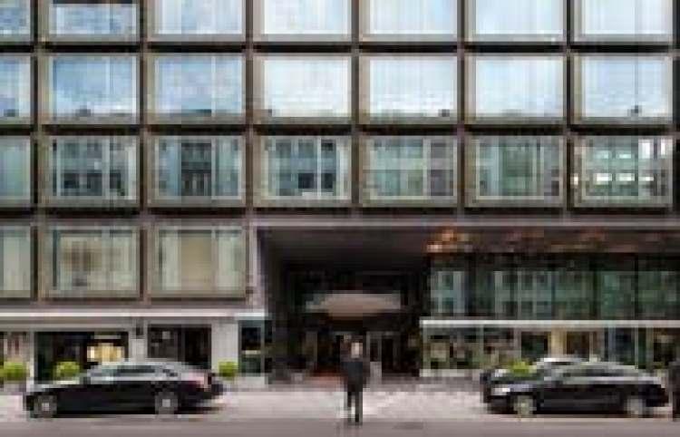Im Zürcher Nobelhotel Park Hyatt schlagen die Trickbetrüger zu. Sie überlisten einen Geschäftsmann und drehen im Spielgeld an. (Bild: Goran Basic /NZZ)
