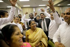 MEPs have forced the holidays. The followers of Ranil Wickremesinghe call for early parliamentary summons. (Picture: Eranga Jayawardena / AP)
