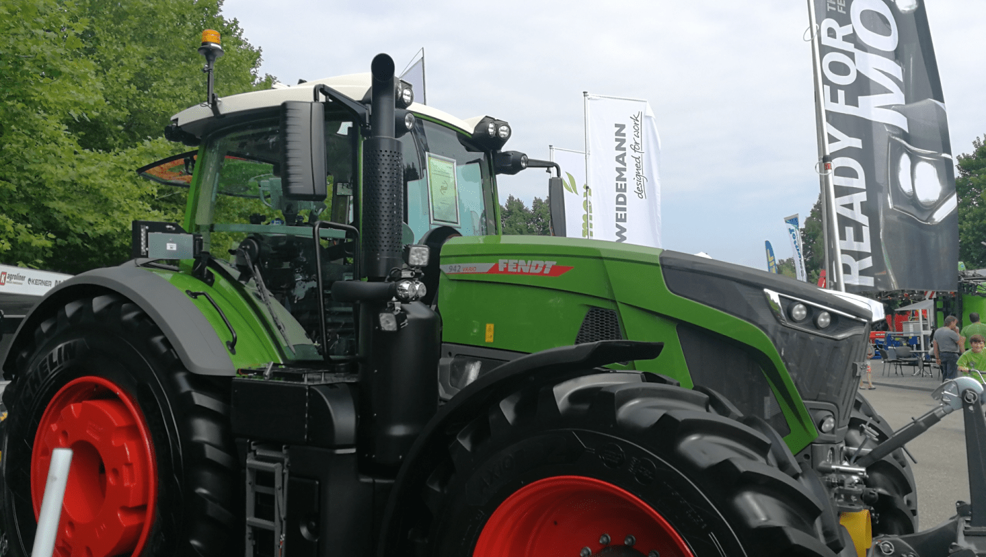 The only weight bracket that includes an integrated chain saw holder! Tractor Of The Year 2020 Honors Agricultural Equipment Innovations Oem Off Highway