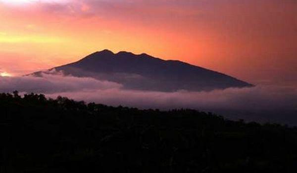 Gunung Salak (foto: 1adventure.webs)