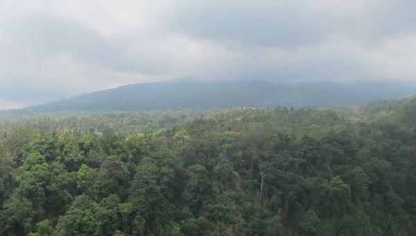 Gunung Rinjani, Lombok, dilihat dari kaki gunung, tepatnya di Desa Senaru (Foto: Fitri/Okezone)