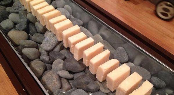 Sabun yang dibuat dari lemak (Foto: Oddity Central)