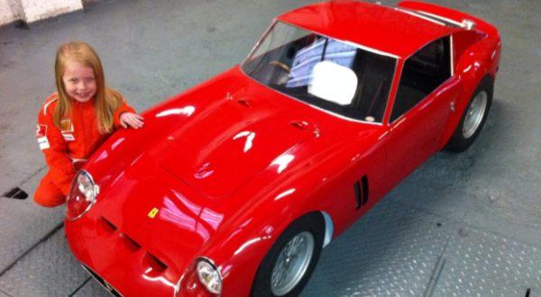 Foto : Ferrari mini karya Stuart (SWNS)