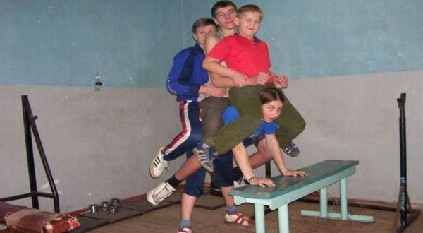 Varya mengangkat beberapa pria (Foto: Oddity Central)
