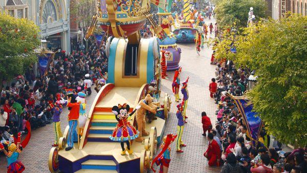 Parade Disney, salah satu keriaan di Hong Kong Disneyland (Foto: dok HKD)