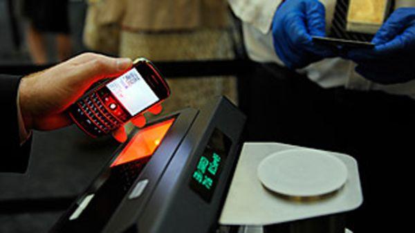 Sekarang bisa boarding dengan menggunakan ponsel saja (Foto: Foxnews)