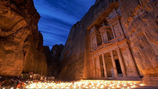 Petra di malam hari (Foto: travel.roro44)