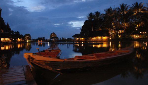 Kampung Sampireun di Garut (Foto: wisoto)