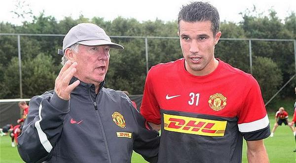 Robin van Persie tengah mendapat arahan Sir Alex Ferguson (Foto: Telegraph)