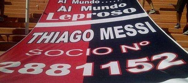 Spanduk yang mengumumkan keanggotaan Thiago Messi sebagai fans ke-2.881.552 Newell's Old Boys/Marca