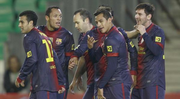 Para pemain Barca merayakan gol yang dicetak Lionel Messi (Foto: Reuters)