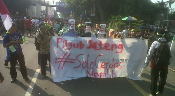 Demo damai Pilgub Jateng (Foto: Bramantyo/okezone)