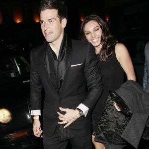 Baru Putus, Kelly Brook Kencani Presenter