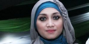 Sefti Sanustika Tak akan Gugat Cerai Fathanah