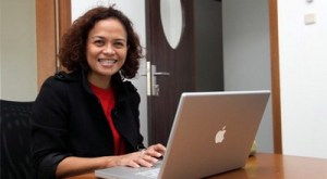 Pendekar Tongkat, Film Laga Mira Lesmana di Akhir Tahun