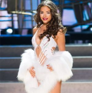 Miss Universe 2012 Hamil Anak Nick Jonas?