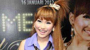 Host Dahsyat Ramai-Ramai Dukung Ayu Ting Ting