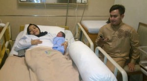 Nassar Sedih saat Kumandangkan Adzan untuk Anaknya