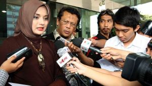 Marissa Haque : Allah Lagi Jewer Kuping Addie MS