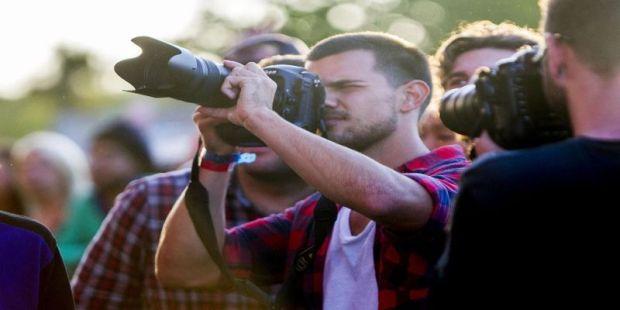 Sepi Tawaran Film, Taylor Lautner Alih Profesi?