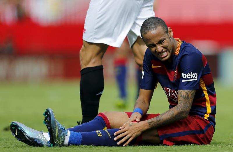 Neymar minta kontrak baru (Foto: Marcelo del Pozo/reuters)