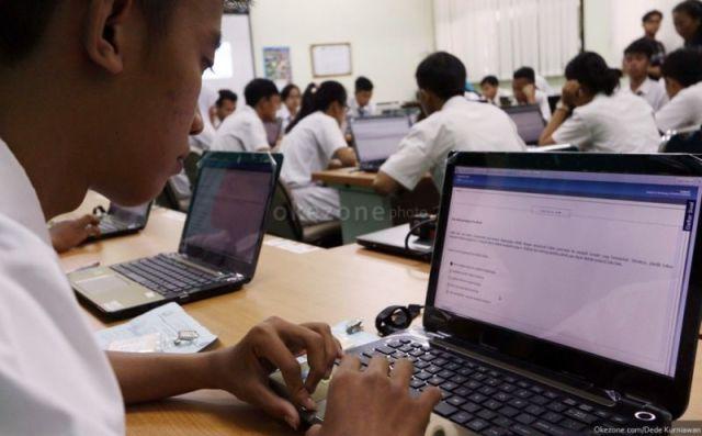 Suasana ujian nasional berbasis komputer. (Foto: dok. Okezone)