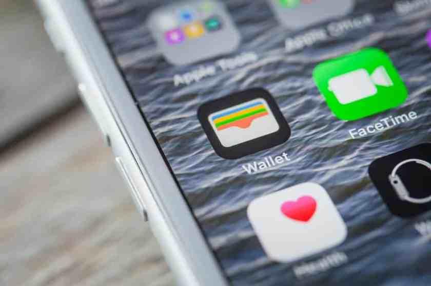 iPhone Wallet app logo