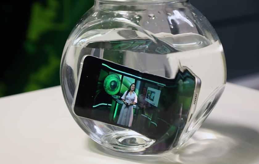 Galaxy Z Flip 3 underwater