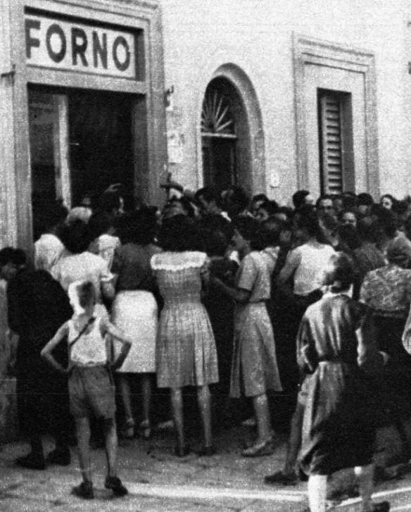 La fila nella storia