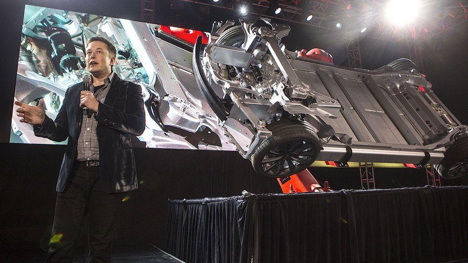 Tesla Autopilot disponible cet été [K2000]