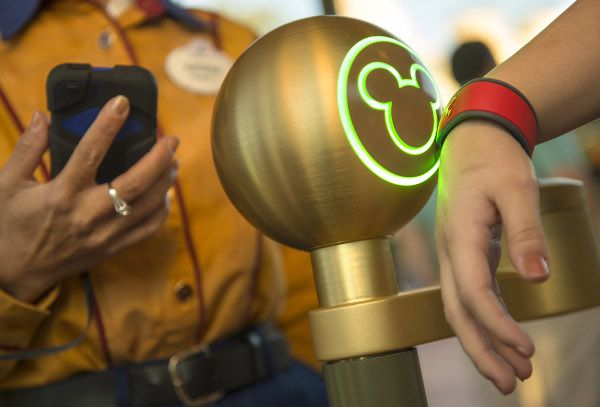 MagicBand : Disney aussi dans le wearable [DisneyWatch]