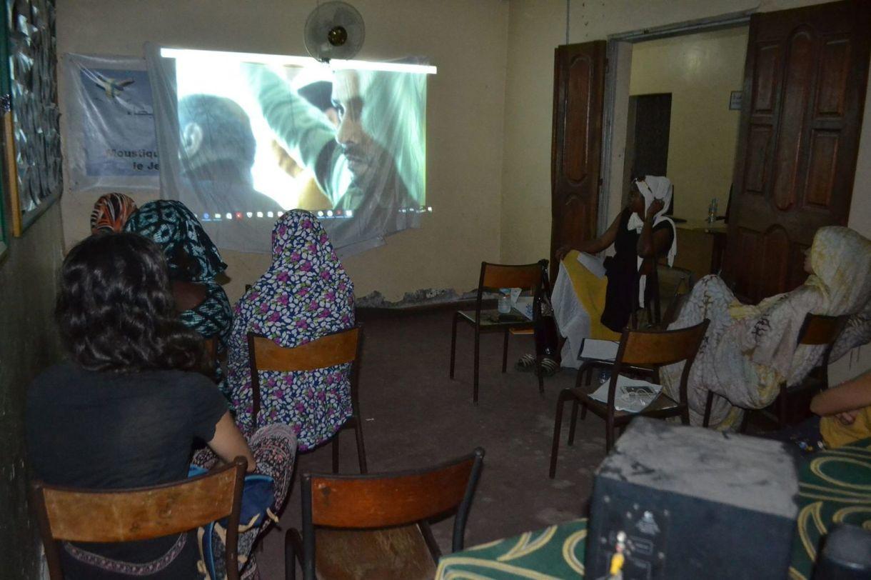 Séance « Voix des femmes » du 23 octobre 2017 dans la commune d'El Mina : projection du film égyptien « Les femmes du bus 678 » sur le harcèlement sexuel dans les transports publics.