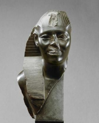 look how they mutilated this another African pharaohs , they broke their noses and claim them as white. so pathetic
