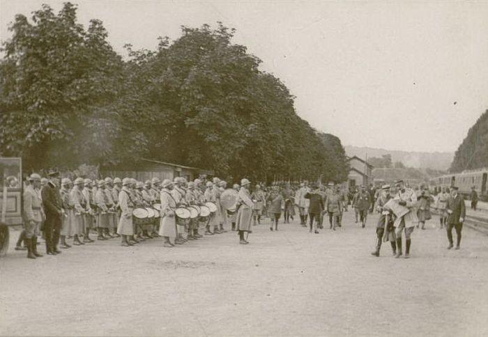 Septembre 1917 : arrivée du Roi d'Italie et du Présiendent de la République à la gare