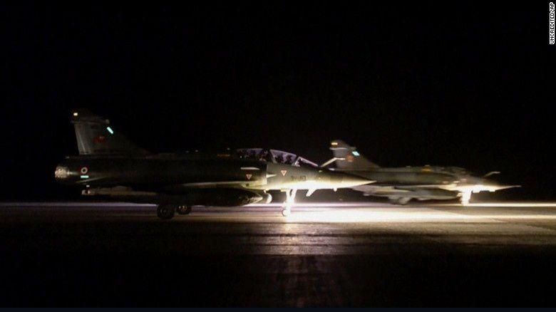 Les forces françaises sont prêtes à attaquer la Syrie si des armes chimiques sont utilisées selon le Chef d'état-major de l'armée française (Southfront)