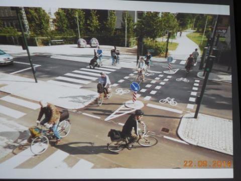 Aménagement de voie spécifique pour les vélos. Source: http://veloentet.fr