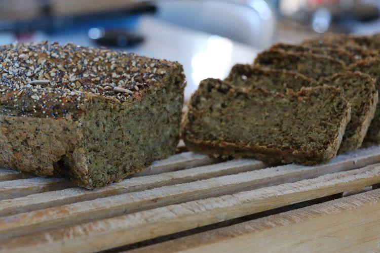 pain sans gluten à IG bas au quinoa et lentilles