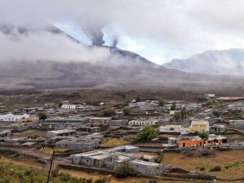 Cap vert: la lave du Fogo engloutie entierement 2 villages