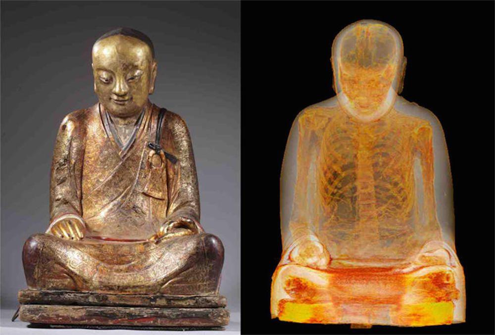 La momie d'un maître bouddhiste découverte dans une statue de Bouddha !