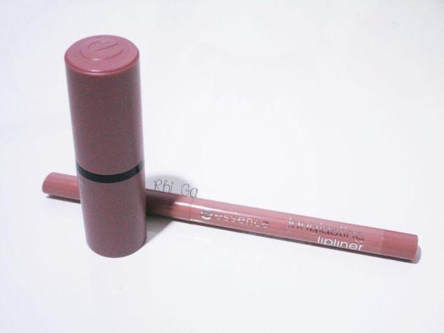 Rouge à lèvres et crayon à lèvres Essence